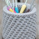 Crochet Hook Desk Basket, Sturdy, Mini-Bean Stitch And Grey In Color || thecrochetspace.com
