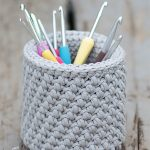 Crochet Hook Desk Basket In Grey Color And Filled With Different Colored crochet Hooks || thecrochetspace.com