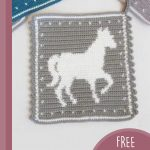 Crochet Horse Hot Pad. Crafted in greay with white horse in the center || thecrochetspace.com