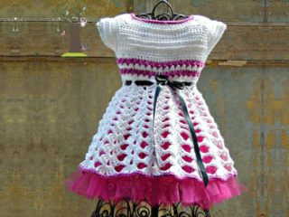 Crochet Isabella Party Dress || thecrochetspace.com