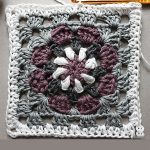 Crochet Lily Pad Granny Square. Image of square front view    thecrochetspace.com