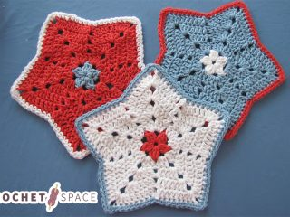 Crochet Little Star Dishcloth || thecrochetspace.com