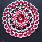 Crochet Peppermint Pinwheel Doily . One beautiful doily in red and white colors || thecrochetspace.com