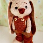 Crochet Roger Racy Rabbit. Bunny in overalls only    thecrochetspace.com