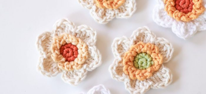 Crochet Spring Narcissus Flower | thecrochetspace.com