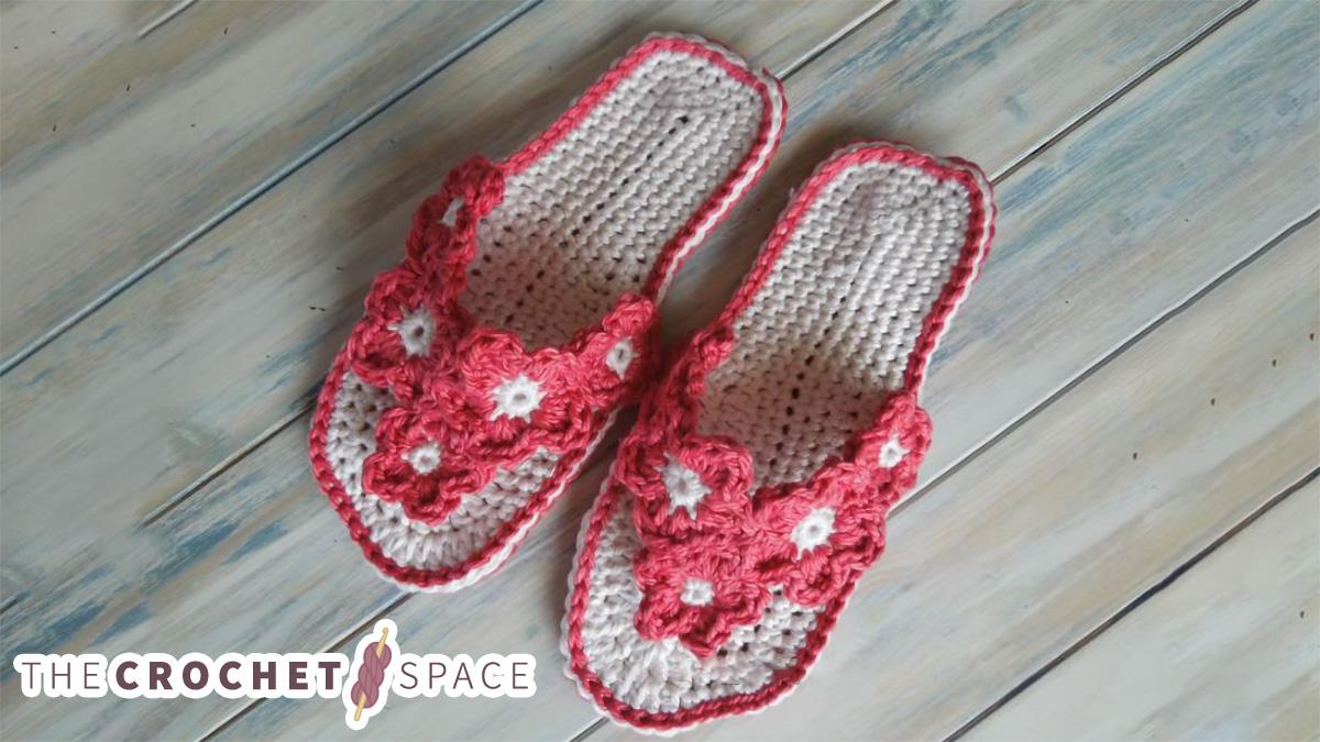 Crochet Summer Sandals || thecrochetspace.com