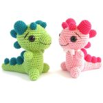 Crocheted Baby Dragon Rattle. 1xPink and 1x Green dragon || thecrochetspace.com