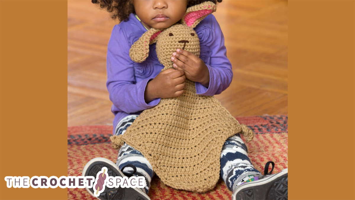 Crocheted Bunny Comfort Blankie || thecrochetspace.com