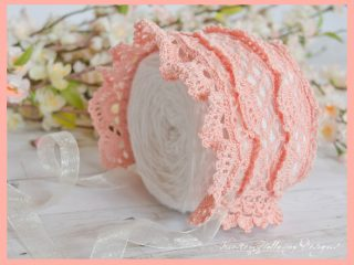 Crocheted Heirloom Baby Bonnet || thecrochetspace.com