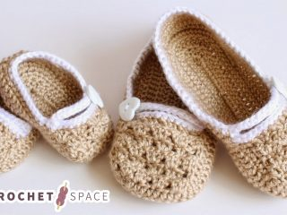 Crocheted Matching Slippers For Mum And Daughter || thecrochetspace.com