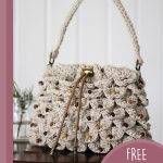 Crocoldile Drawstring Crochet Bag. Close up of beige bag || thecrochetspace.com