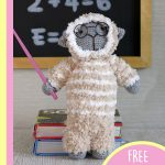 Cuddly Lamb Amigurumi Buddy. Beige and White lamb at the blackboard and with spectacles on || thecrochetspace.com