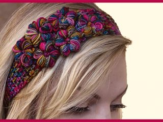 Thai Flowers Crochet headband || thecrochetspace.com