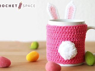 Easter Bunny Crocheted Mug Cozy. || thecrochetspace.com