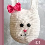 Easter Crochet Bunny Bag. Mrs Bunny Bag with a pretty bow || thecrochetspace.com