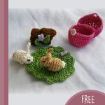 Easter Crochet Bunny Surprise. Tiny rabbits and other items from inside the egg || thecrochetspace.com