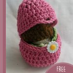 Easter Crochet Bunny Surprise. An open egg so you can see inside || thecrochetspace.com
