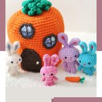 Travelling Amigurumi Rabbit Family. Carrot house with bunny family all outside || thecrochetspace.com