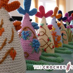 Easy Crochet Chicken Run || thecrochetspace.com