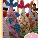 Easy Crochet Chicken Run. Wonderful chickens with colorful accents, ready for Easter || thecrochetspace.com
