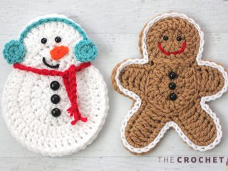 Easy Crochet Snowman Decoration || thecrochetspace.com