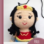 Easy Crochet Wonder-Woman Heroine. Close up of her haid with hair being crafted || thecrochetspace.com
