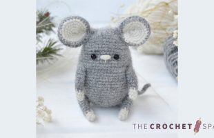 Easy Crochet Wee Mouse    thecrochetspace.com