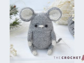 Easy Crochet Wee Mouse || thecrochetspace.com