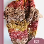 Easy Fall Crochet Cowl. Crafted in Autumnal colors || thecrochetspace.com