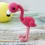 Easy Mini Crochet Flamingo. One Pink Flamingo || thecrochetspace.com