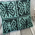 Easy Mosaic Crochet Pillow. Green and black square pillow. Front side image || thecrochetspace.com