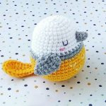 Easy Spring Crochet Bird. Crafted in white, yellow and grey || thecrochetspace.com
