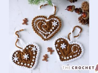 Festive Crochet Ginger Hearts || thecrochetspace.com