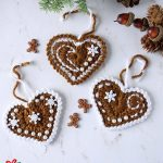 Festive Crochet Ginger Hearts, Crafted in brown with brown or white edging || thecrochetspace.com