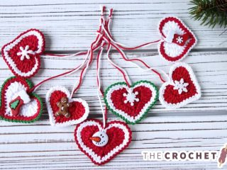 Festive Crochet Holiday Hearts || thecrochetspace.com