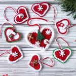 Festive Crochet Holiday Hearts. Collection of different sized hearts, all slightly different || thecrochetspace.com