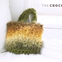 Fluffy Crystal Crochet Bag || thecrochetspace.com