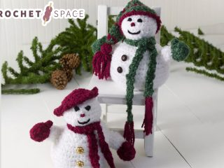 Frosty Crocheted Christmas Ornaments || thecrochetspace.com
