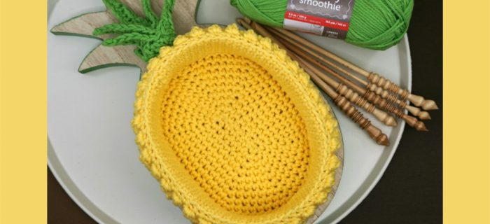Fun Crochet Pineapple Basket || thecrochetspace.com
