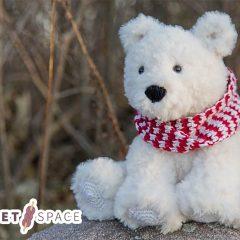 Furry Amigurumi Polar Bear || thecrochetspace.com