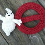 Ghost Busters Crochet Applique. White ghost outside red circle with red line across || thecrochetspace.com