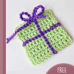 Gift Wrap Crochet Boxes. One gift box, craft in green with purple accents || thecrochetspace.com