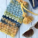 Glasses Vacation Crochet Case. Crafted in gorgeous blues and yellows. Tassels ties to finish || thecrochetspace.com