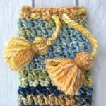 Glasses Vacation Crochet Case. Various colors with great tassel ties || thecrochetspace.com