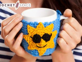 Good Morning Crocheted Mug Hug || thecrochetspace.com