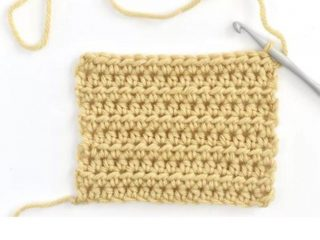 Half Double Crochet Stitch | thecrochetspace.com