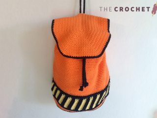 Halloween Crochet Back Pack || thecrochetspace.com