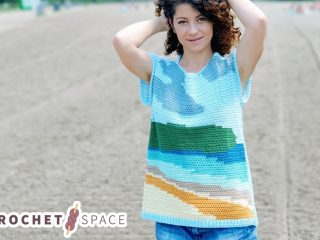 Happy Place Crochet Tee || thecrochetspace.com