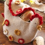 Henny Penny Crochet Bread Basket . Bread basket with cover crafted in shape of chicken ready for Thanksgiving || thecrochetspace.com