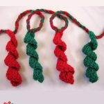 Holiday Crochet Streamer Garland. Twisted streamers || thecrochetspace.com